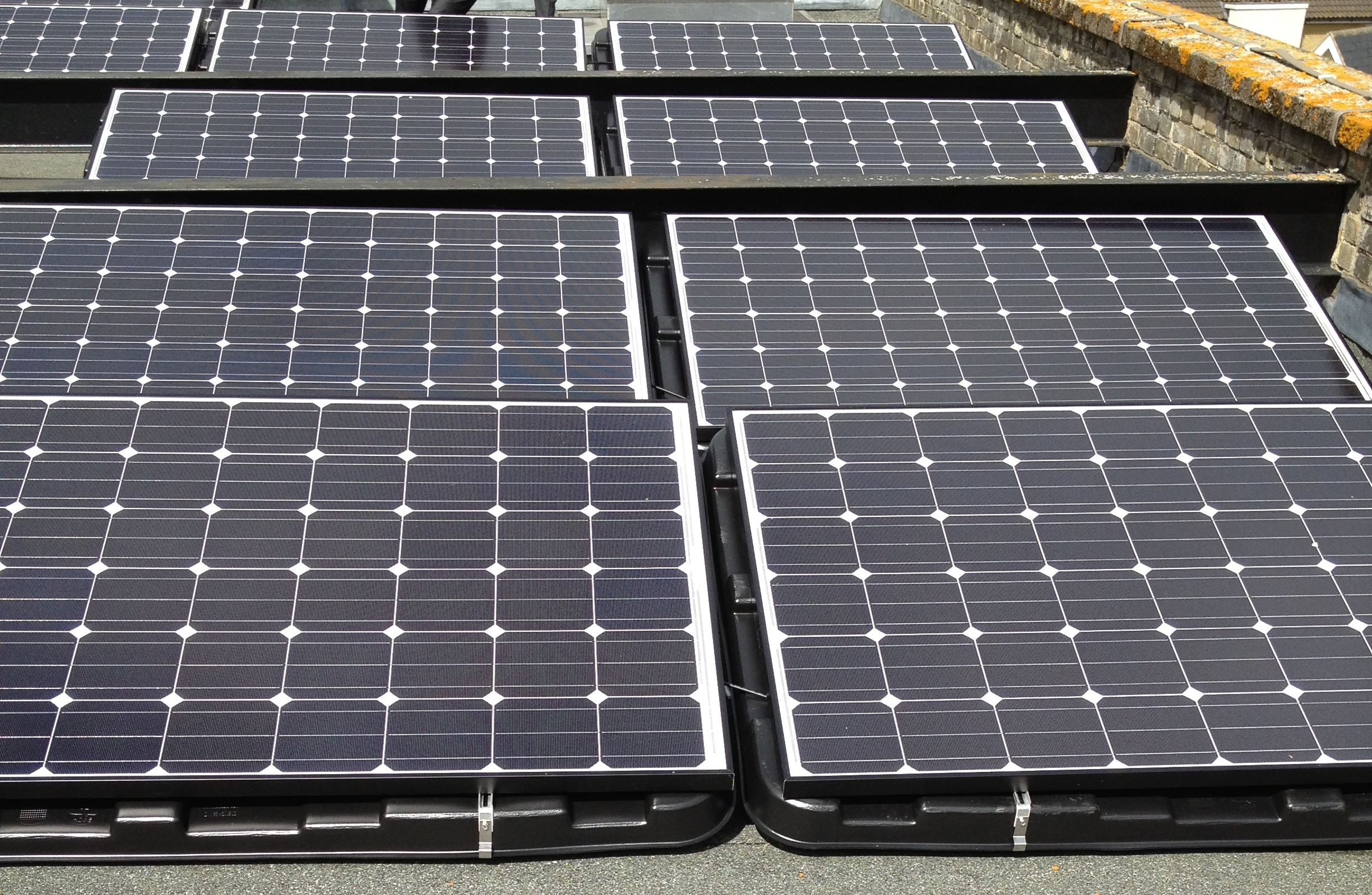 Are east-west better than south for solar panels on UK ...