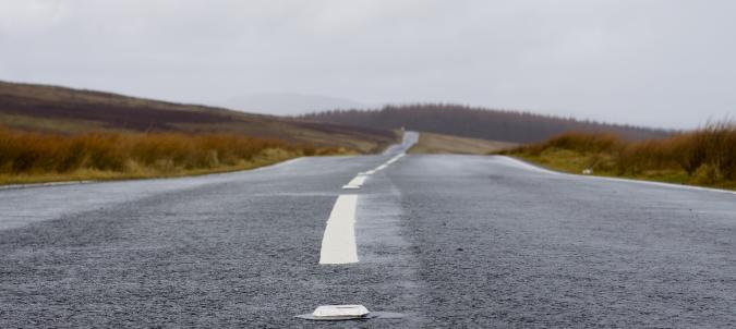 Solar Glint and Glare Assessment for Roads