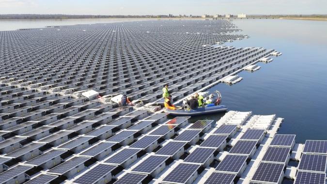 floating solar farm