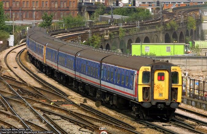 Class 421 4-CIG 1879 at Wandsworth Road on 07/09/01